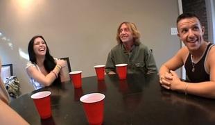 gruppe pornostjerne fest orgie barmfager