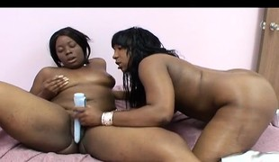Voluptuous chocolate lesbians Tifffany and Marshae please every other