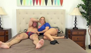 Crazy hot curves on the golden-haired pornstar engulfing his ramrod