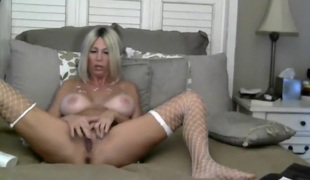 Webcam mature Jaime Leigh play with toy