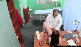euro sweetheart pussylicked by the doctor