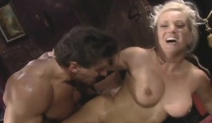 Slutty chick Calli Cox gets eaten out and then fucked in her twat