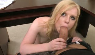 barbert rumpehull blonde stor rumpe deepthroat blowjob onani facial fingring ass