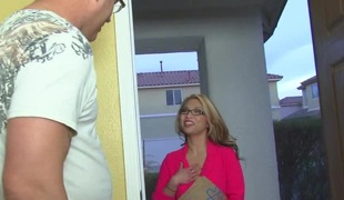 Mia Rider can't live without meeting new guys to fuck as often as she can