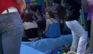 amatør hardcore blowjob fest offentlig
