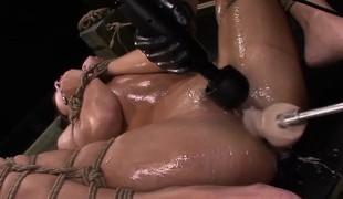 brunette dobbel penetrasjon fetish squirt
