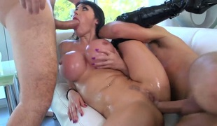 Milf Keiran Lee Manuel Ferrara shows off her hot body as she receives her mouth fucked by mans erect schlong