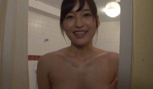 synspunkt puppene tynn sædsprut små pupper dusj asiatisk handjob par japansk