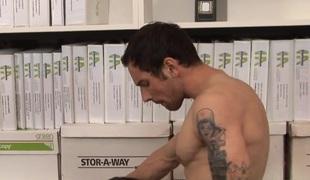 MILF pornstar Raylene in hot fellatio action