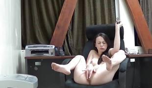 Veronica radke masturbates on cam at work