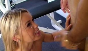 tenåring hardcore blowjob sædsprut små pupper stor kuk