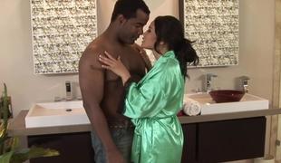 penger milf massasje morsomt interracial dusj asiatisk bad