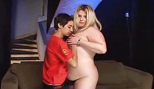 lesbisk leketøy bbw fitte slikking lubben strapon