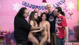 Pornstar Ron Jeremy has Casey Cumz and Ashlynn Leigh sharing his shlong