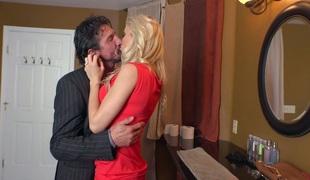 milf kyssing store pupper pornostjerne blowjob sædsprut facial ridning ass fitte slikking