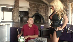 Blonde mamma gets screwed by her step-son