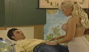Hawt auric teacher seducing her student in class