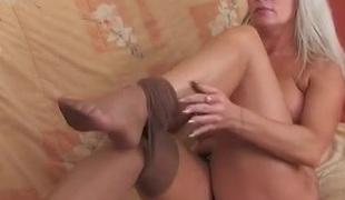 Jessica and Paulina pussyloving mature on video