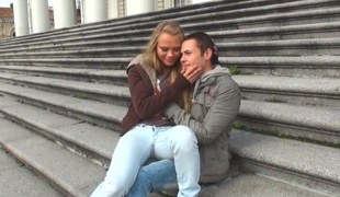 tenåring blowjob jeans sucking