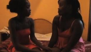 amatør virkelighet lesbisk milf lingerie leketøy ibenholt